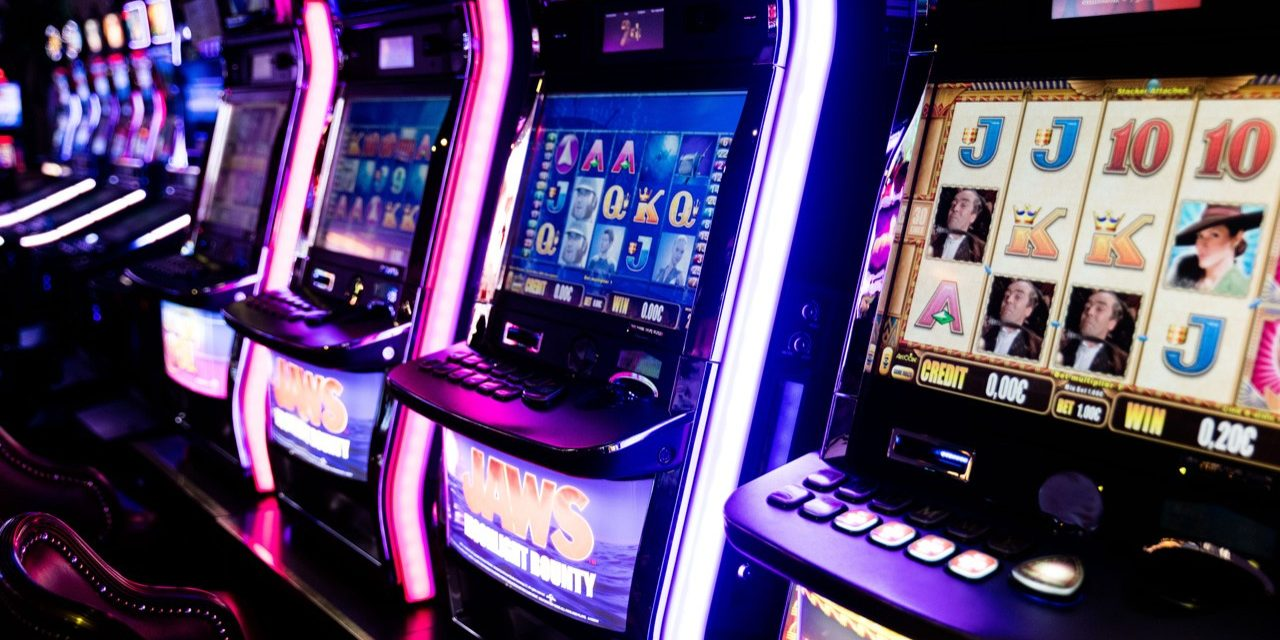Can Online Slots Compare To A Casino Environment?